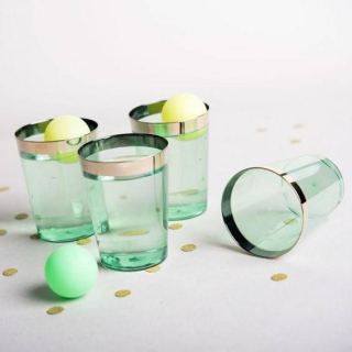 Gin-pong-plastic-cups